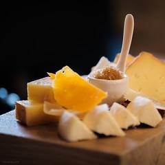 Vous prendrez bien un fromage  avant la poire 🍐...