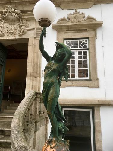 Lamppost at the entrance of the Teatro Ribeiro Conceição