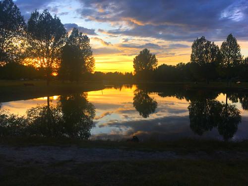 Sunset_at_Huck_Finn
