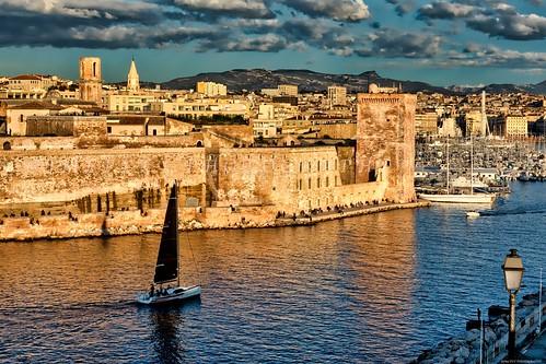 Entrée du vieux port de Marseille -3D0A7504