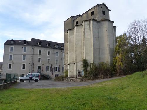 Nay, Pyrénées-Atlantiques: chez Chahab dont nous avons apprécié la rencontre. Nous fûmes très bien accueillis par 3 des membres de Nayart qui nous ont ouvert l'exposition.