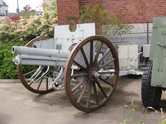 Albert: German field gun (Somme)