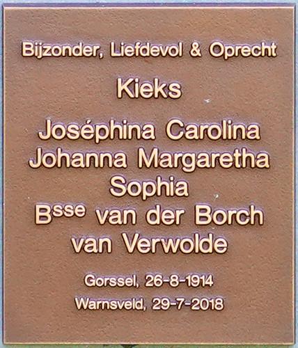 Bijzonder, Liefdevol & Oprecht, Kieks, Josephina Carolina Johanna, Margaretha Sophia, Bsse van der Borch van Verwolde, Gorssel, 26-8-1914, Warnsveld, 29-7-2018. Op 103 jarige leeftijd bezocht ze Kamp Amersfoort, waar haar broer geëxecuteerd is