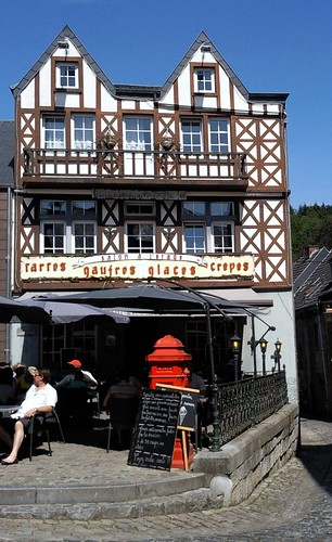 Since 1131, Durbuy has been a French speaking city in Belgium in the province of Luxembourg. Contrary to what the locals say, this city is not the smallest in the world.