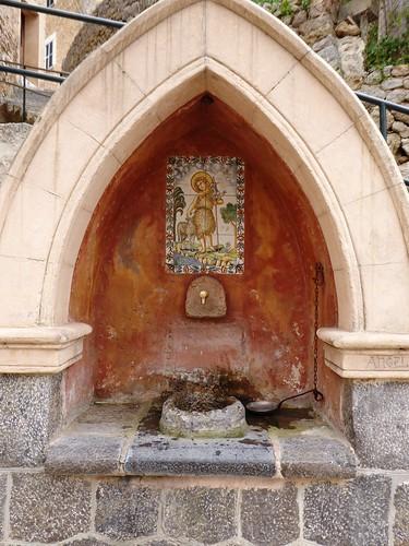 Deiá (Mallorca-España). Fuente