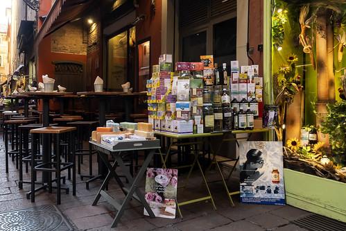 "Bologna -  ""Il quadrilatero"" - Via Pescherie Vecchie"