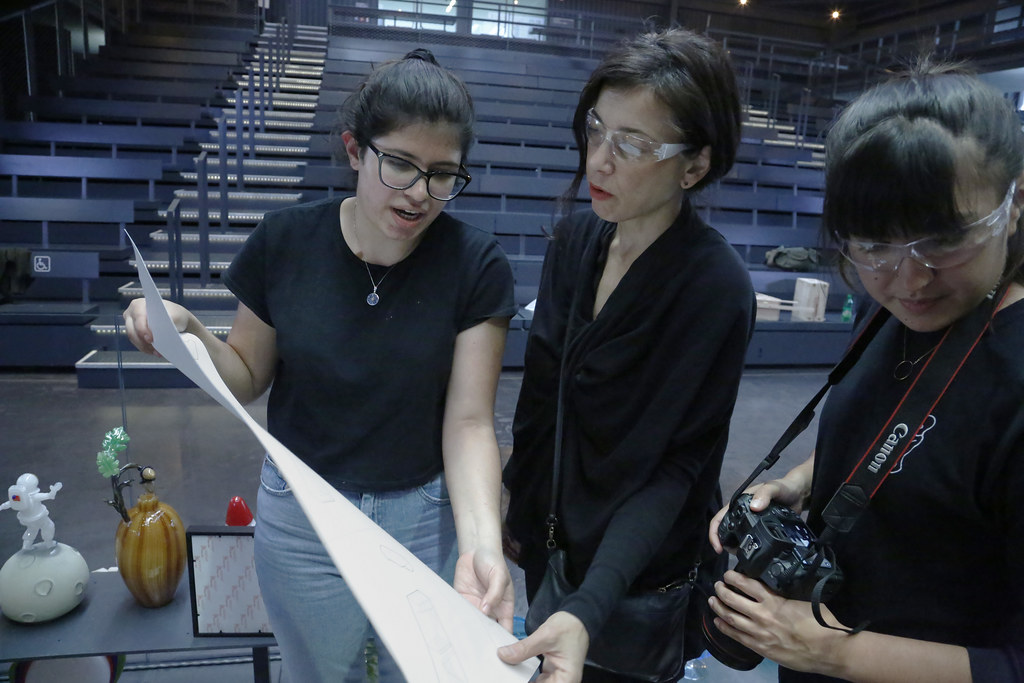 Students in the Coevolutionary Archetypes option studio, taught by Visiting Associate Professor Naomi Frangos, participated in the process of glassmaking at the Corning Museum of Glass.   Frangos (center) works with Silvia Galdamez (B.Arch. '20) and Elisa Medina-Jaudes (B.Arch. '21).