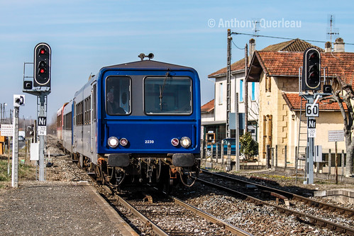 28 février 2009  x 2239-2246  Train 865746_7 Bordeaux-St-Jean -> Sarlat  Gardonne (24)