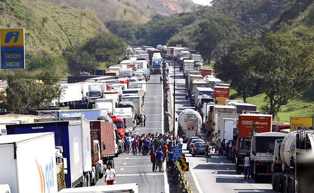 Em 2018, Brasil viveu a maior greve de caminhoneiros da sua história - Créditos: Agência Brasil