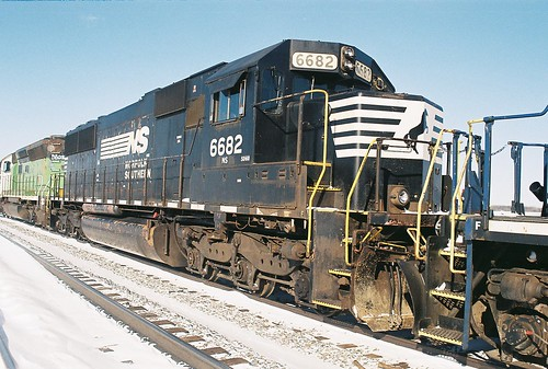 NS  6682  SD60  1-27-14  Midway