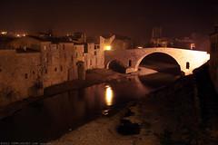 FR11 3395 Le Pont de l'Abbaye et la rivière l'Orbieu. Lagrasse, Aude, Languedoc