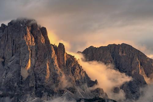 *Sassolungo Group @ sunset magic*