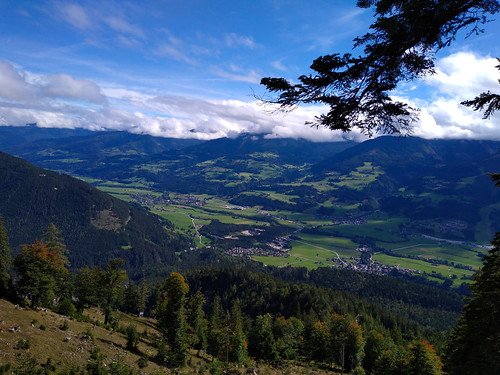Blick auf das Ennstal - Wanderung auf den Kufstein über Gradenbachfall, Ahornsee, Grafenbergsee und Grafenbergalm im Dachsteinmassiv