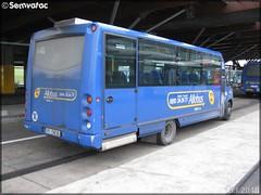 Irisbus – CIF (Courriers d'Île-de-France) (Keolis) / STIF (Syndicat des Transports d'Île-de-France) – Allobus n°082074 - Photo of Louvres