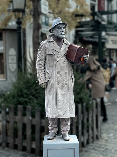 Brussels-Street Living statue-01