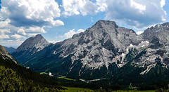 Mountain valley in the Zugspitze Arena