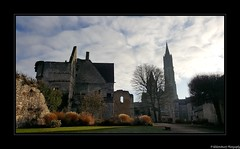 Château de Senlis- Oise- France. - Photo of Verneuil-en-Halatte