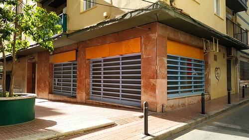 Local comercial en pleno centro de unos 65 m2 aproximados.  Solicite más información a su inmobiliaria de confianza en Benidorm  www.inmobiliariabenidorm.com