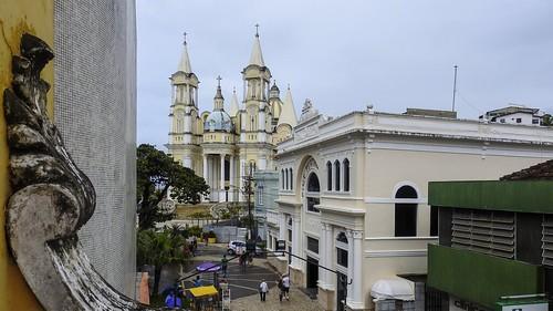 Vista parcial da Catedral de Ilhéus, BA (série com 3 fotos)
