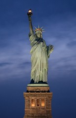 Statue of liberty - Credit to https://homegets.com/