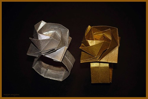 Origami Ring of Rose (Shin Han-Gyo)