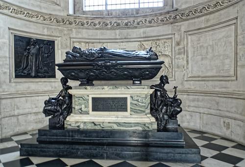 Memorial to Lord Leighton / Mémorial à la mémoire de Lord Leighton