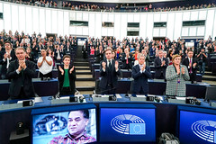 Sakharov Prize: daughter of 2019 laureate Ilham Tohti receives prize on his behalf