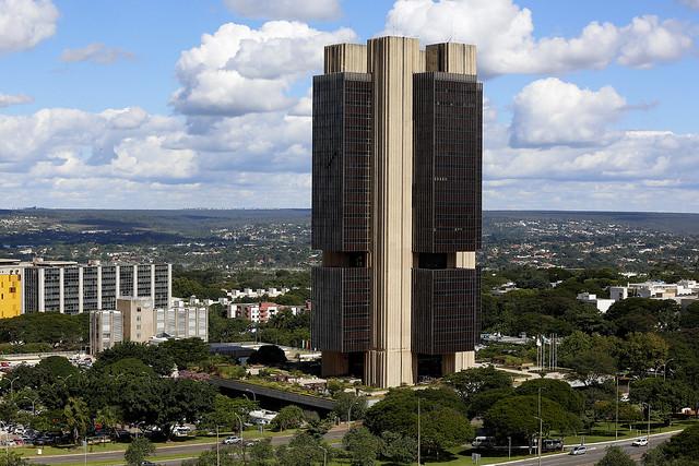 Em 1999, jornalista paranaense teve acesso a mais de 5.000 páginas contendo informações de remessas ilegais para bancos do exterior - Créditos: Raphael Ribeiro/BCB