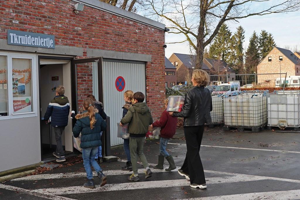 20191217_Donatie Zonnekind Tkruideniertje (2)