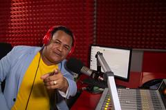 """El merengue, la bachata, la salsa y el saludito que le encanta al dominicano lo pone """"La Parranda Navideña"""" de Hits 92"""