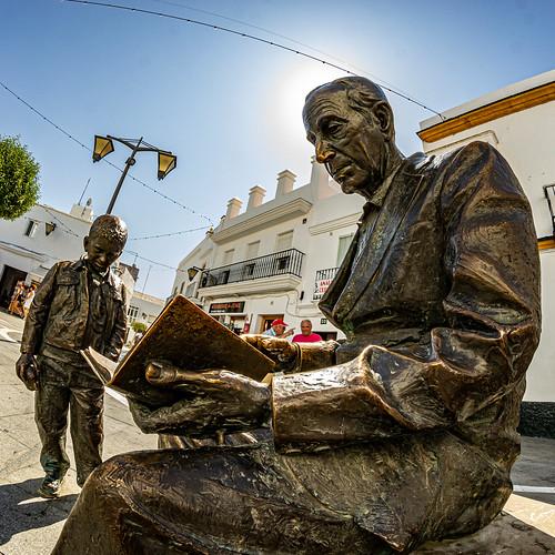 Statue of José Saramago