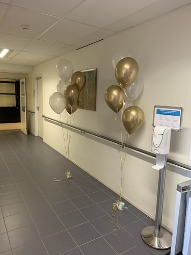 Tafeldecoratie 5ballonnen Gronddecoratie Spijkenisse Medisch Centrum