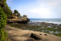 Pura Batu Bolong Beach
