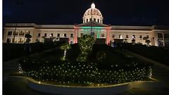 La Navidad llega al Palacio Nacional. Familias dominicanas visitan jardines de su Palacio Nacional decorado especialmente para la Navidad (22-12-2019)