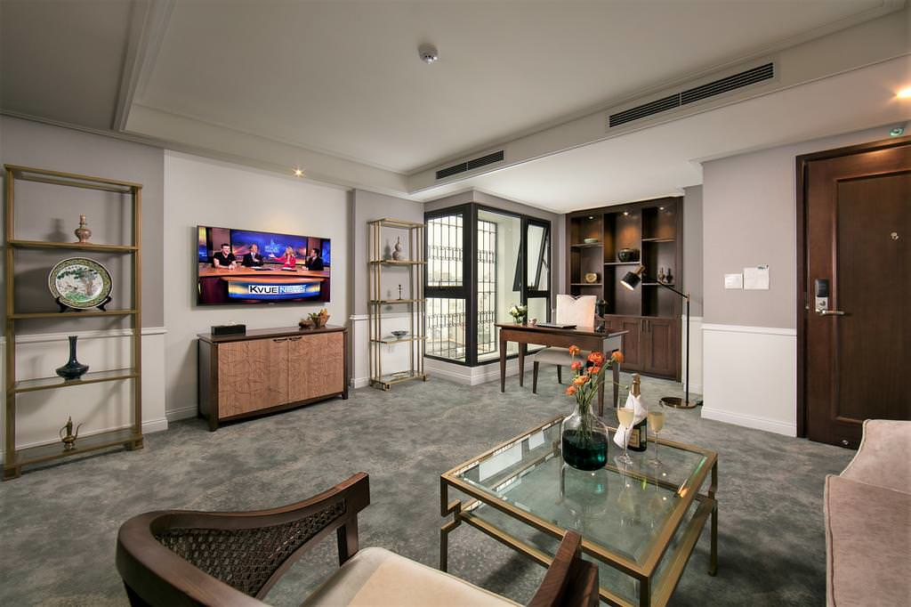 The Oriental Jade Hotel 2