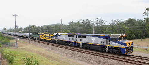 VL362 + VL358 + 4904 & C510 SSR LOADED GRAIN TO CARRINGTON PASSING AWABA 22nd Dec 2019.
