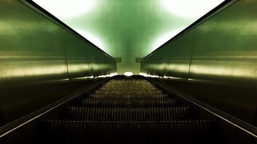 Escalators Symmetry at the Alex