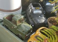 Landie Pick-up & London Cabs