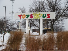 Toys Я Us Sign