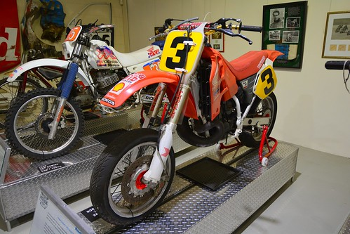 Wayne Gardner's 1992 Honda CR500 Supermotard bike (2)