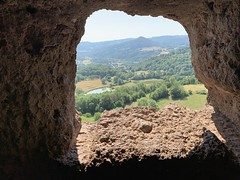 Jonas Caves, Saint-Pierre-Colamine, France - Photo of Champeix