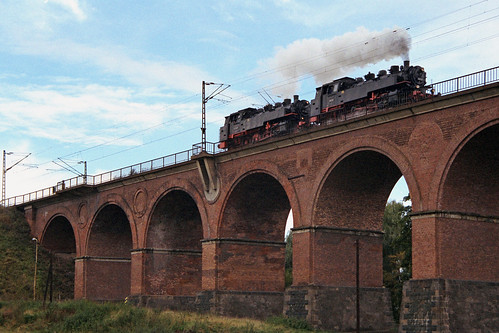 86 001 und 86 1501-5 auf dem Römertalviadukt