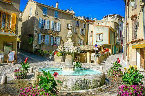 La fontaine de Valensole ...