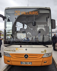Nice airport bus to Antibes