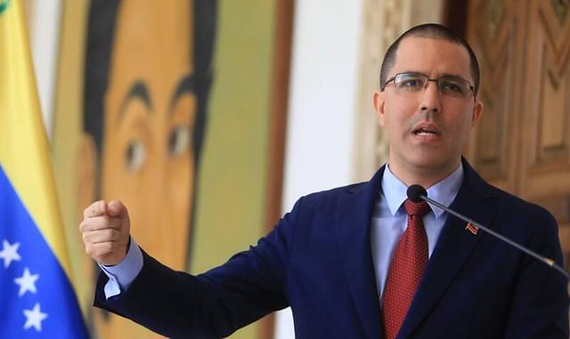 Venezuela condena possível refúgio a desertores pelo governo brasileiro