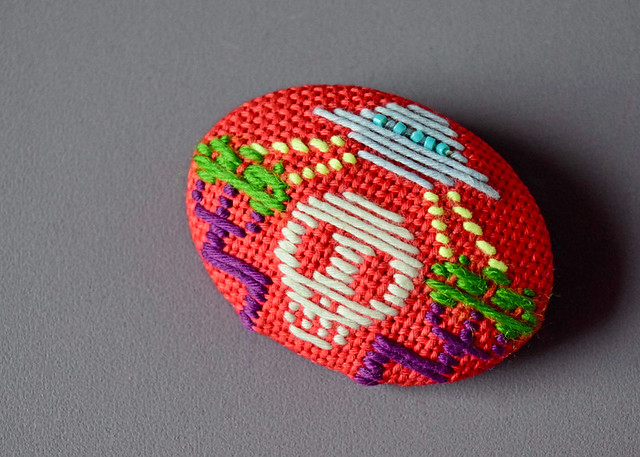 Photo:Kogin Embroidered Brooch for Hachimise By hine