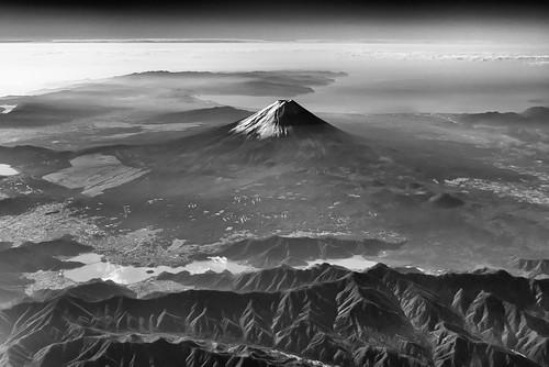 171027 Mt. Fuji on Tokyo-Nagoya flight.jpg