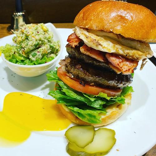 ザコーナー ハンバーガー グローバルゲート (THE CORNER Hamburger)