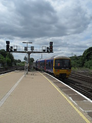 First Great Western DMU 166204 at Redhill