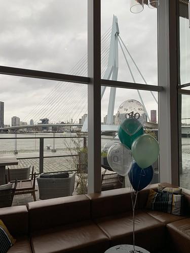 Tafeldecoratie 5ballonnen 40 Jaar Aqua Asia Rotterdam